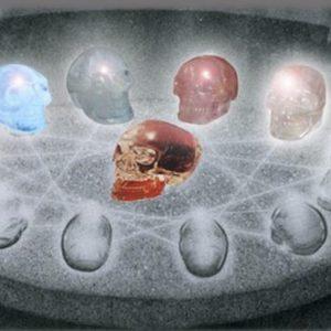 13 crystal skulls - 13 Crânes de Cristal